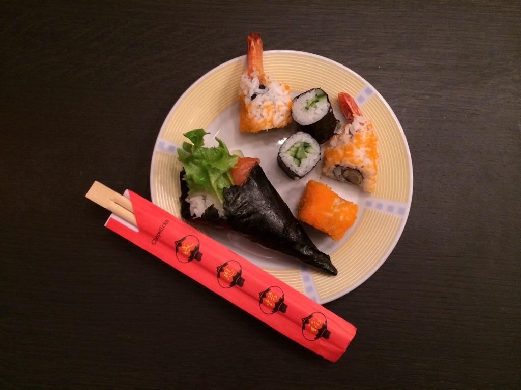 Klein beetje sushi als aanvulling