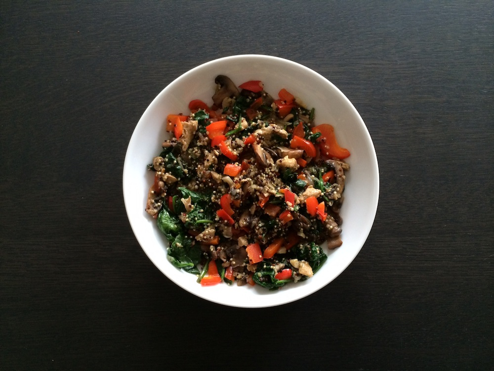 Quinoa spinazie champignons ui en kip