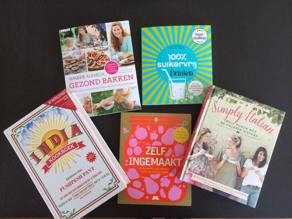 Kookboek doornemen ter inspiratie