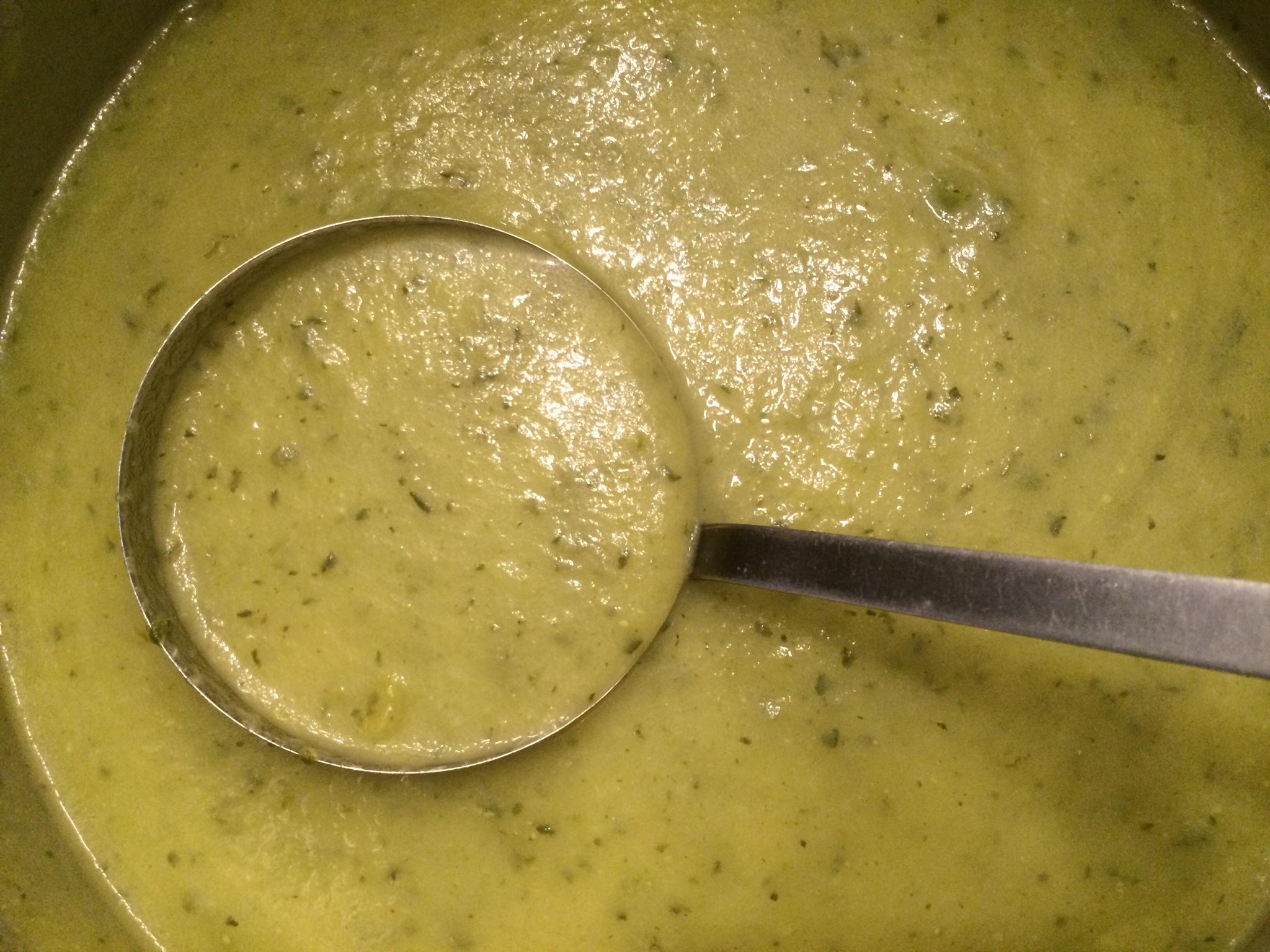 Courgette-soep naar moeders recept